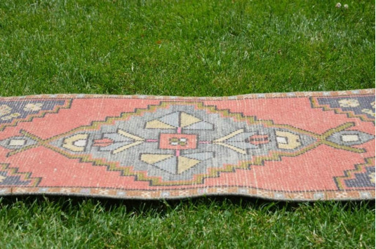 "Unique Turkish Vintage Small Area Rug Doormat For Home Decor 3'1,4"" X 1'7,3"""