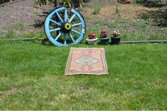 "Vintage Handmade Turkish Small Area Rug Doormat For Home Decor 3'6,1"" X 1'9,3"""