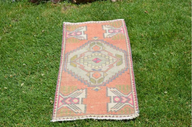 "Vintage Handmade Turkish Small Area Rug Doormat For Home Decor 3'2,2"" X 1'6,9"""