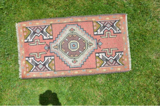 """Natural Turkish Vintage Small Area Rug Doormat For Home Decor 3'2,6"""" X 1'9,3"""""""
