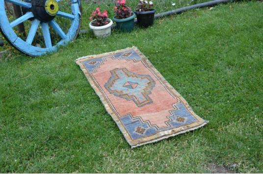 "Unique Turkish Vintage Small Area Rug Doormat For Home Decor 3'6,1"" X 1'6,1"""