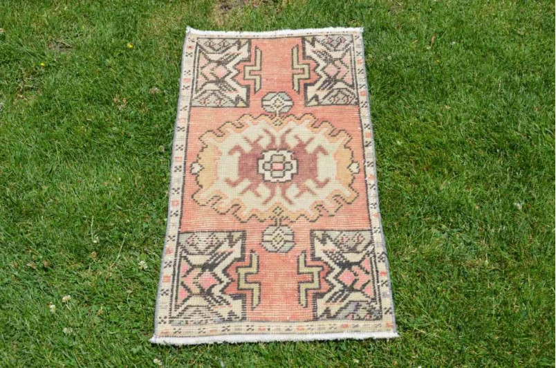 "Turkish Handmade Vintage Small Area Rug Doormat For Home Decor 2'10,3"" X 1'5,7"""