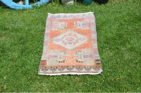 "Unique Turkish Vintage Small Area Rug Doormat For Home Decor 3'0,6"" X 1'7,3"""