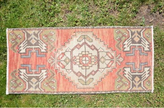 "Vintage Handmade Turkish Small Area Rug Doormat For Home Decor 3'2,6"" X 1'5,7"""