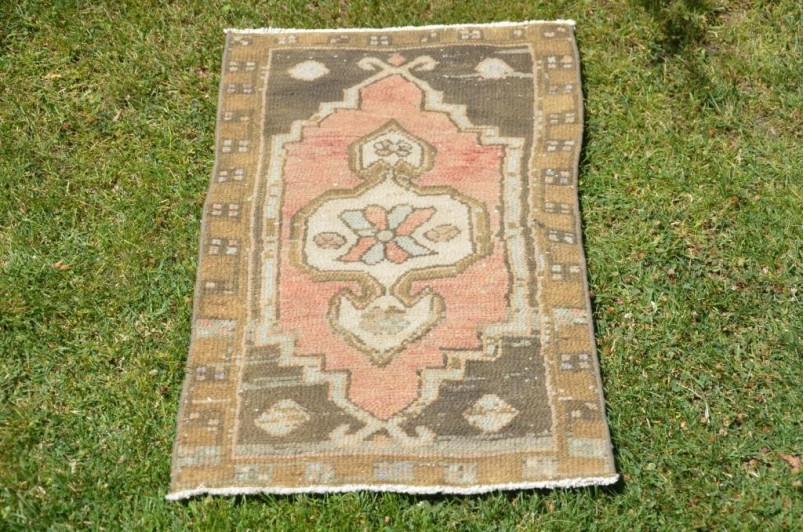 "Turkish Handmade Vintage Small Area Rug Doormat For Home Decor 2'11,4"" X 1'8,5"""