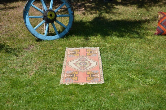 "Vintage Handmade Turkish Small Area Rug Doormat For Home Decor 3'4,6"" X 1'6,5"""
