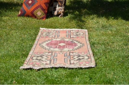 "Turkish Handmade Vintage Small Area Rug Doormat For Home Decor 3'1"" X 1'6,9"""