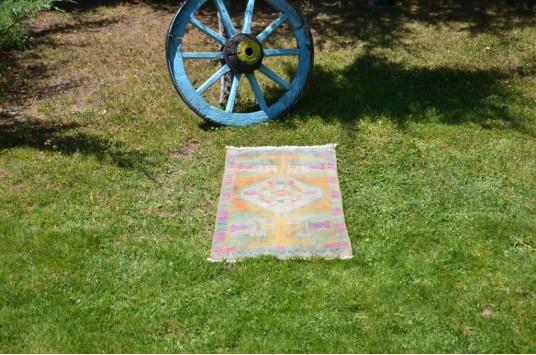 "Unique Turkish Vintage Small Area Rug Doormat For Home Decor 3'2,2"" X 1'7,7"""