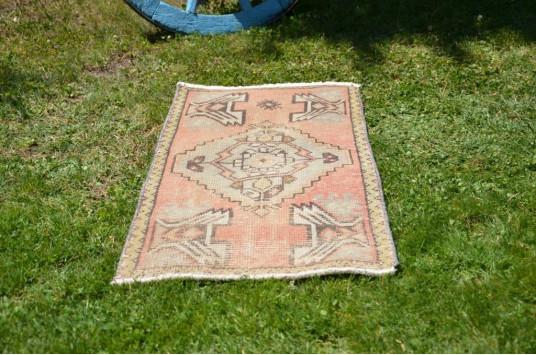 "Turkish Handmade Vintage Small Area Rug Doormat For Home Decor 3'1,8"" X 1'7,3"""