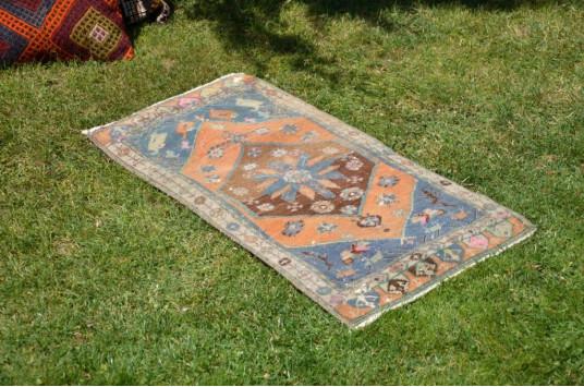 "Unique Turkish Vintage Small Area Rug Doormat For Home Decor 3'1,8"" X 1'7,3"""