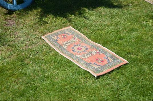 "Unique Turkish Vintage Small Area Rug Doormat For Home Decor 3'1,8"" X 1'3"""