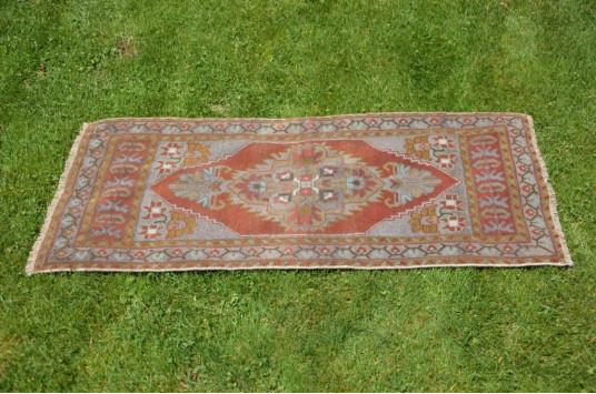 "Unique Turkish Vintage Small Area Rug Doormat For Home Decor 3'8,1"" X 1'8,5"""