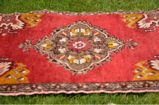 "Unique Turkish Vintage Small Area Rug Doormat For Home Decor 3'1,8"" X 1'7,7"""