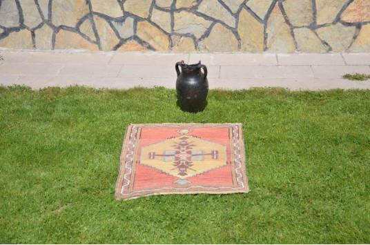 "Unique Turkish Vintage Small Area Rug Doormat For Home Decor 2'6,3"" X 2'1,2"""