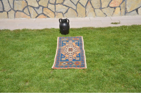 "Unique Turkish Vintage Small Area Rug Doormat For Home Decor 3'11,6"" X 1'4,9"""
