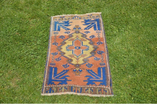 """Natural Turkish Vintage Small Area Rug Doormat For Home Decor 3'2,6"""" X 1'5,3"""""""