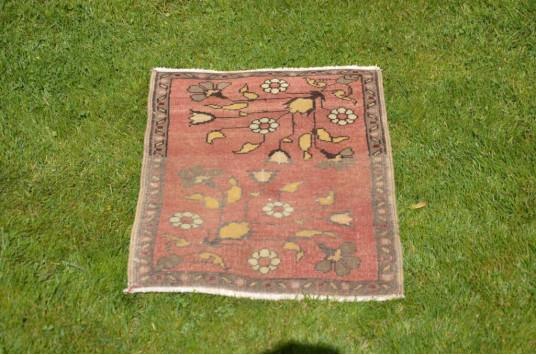 "Unique Turkish Vintage Small Area Rug Doormat For Home Decor 2'1,2"" X 1'5,7"""