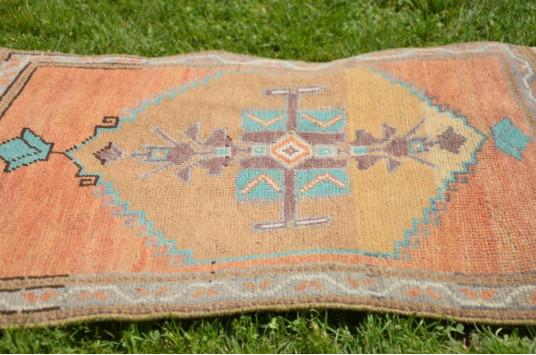 "Unique Turkish Vintage Small Area Rug Doormat For Home Decor 2'5,1"" X 1'11,6"""