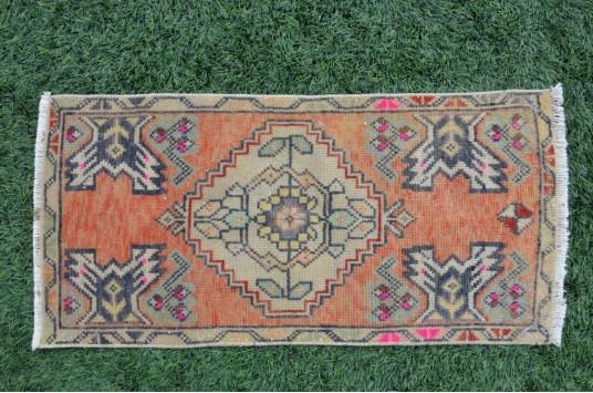 "Vintage Handmade Turkish Small Area Rug Doormat For Home Decor 3'1,4"" X 1'6,5"""