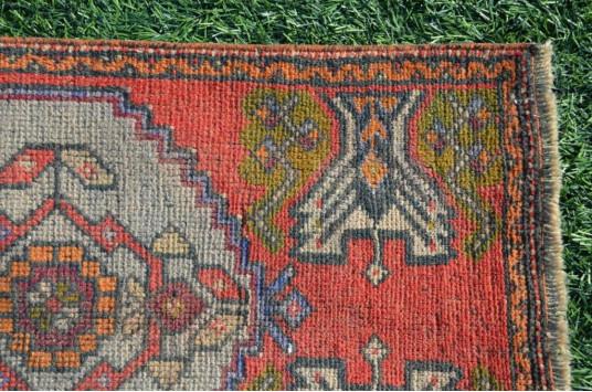 "Turkish Handmade Vintage Small Area Rug Doormat For Home Decor 2'11,8"" X 1'7,7"""
