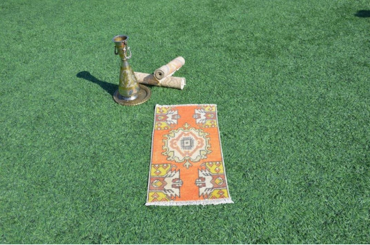 """Natural Turkish Vintage Small Area Rug Doormat For Home Decor 2'7,5"""" X 1'3,7"""""""