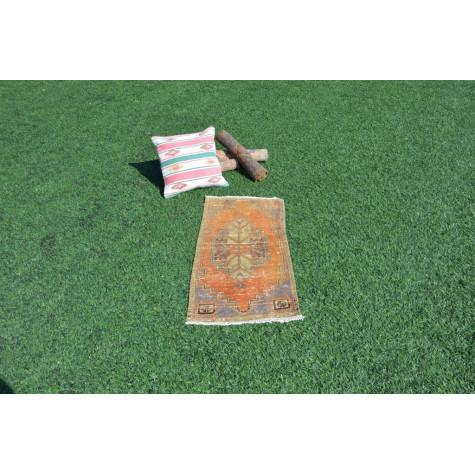 "Unique Turkish Vintage Small Area Rug Doormat For Home Decor 3'0,2"" X 1'6,5"""