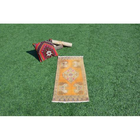 "Unique Turkish Vintage Small Area Rug Doormat For Home Decor 3'3,4"" X 1'6,5"""