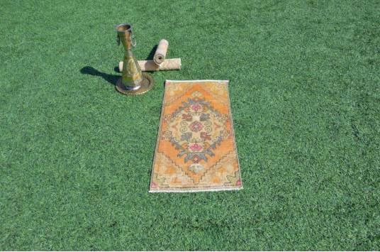 "Unique Turkish Vintage Small Area Rug Doormat For Home Decor 3'0,6"" X 1'4,5"""