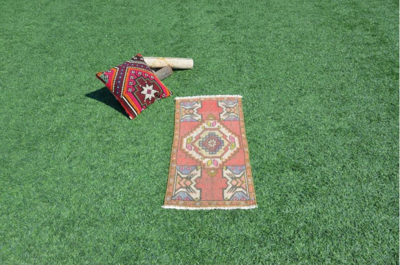 "Turkish Handmade Vintage Small Area Rug Doormat For Home Decor 3'0,6"" X 1'5,3"""
